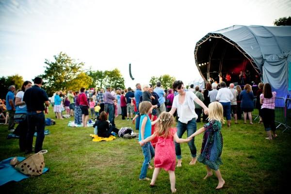 TBC_Dancing_at_Folk_by_the_Oak_folk_festival!