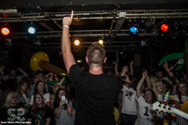 Glass Giants - Cardiff - Review