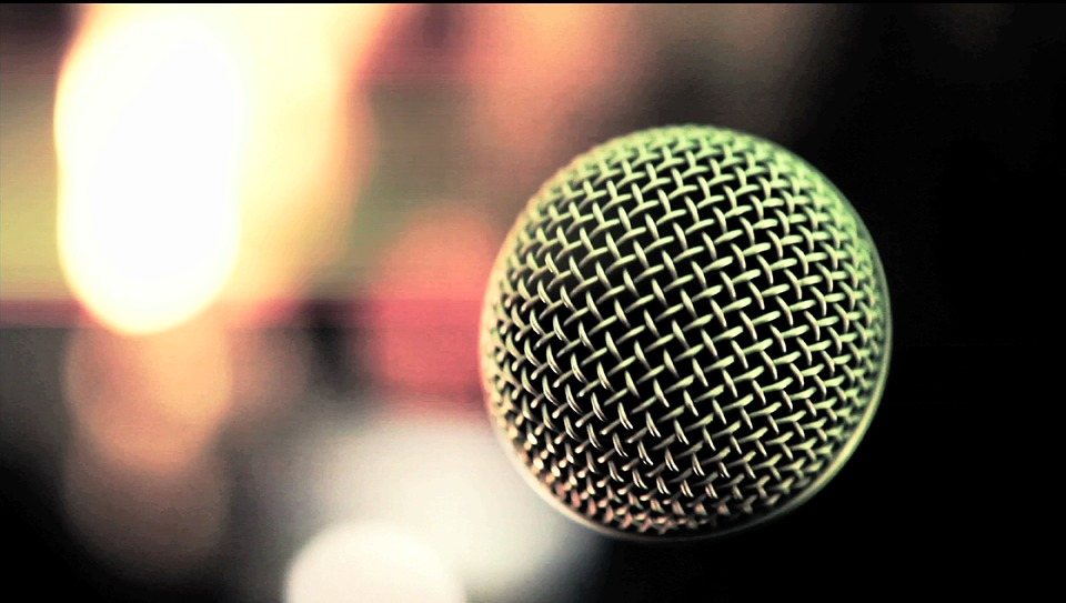microphone-1128106_960_720